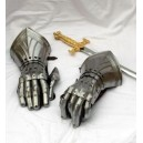 Gauntlets of the Crusader
